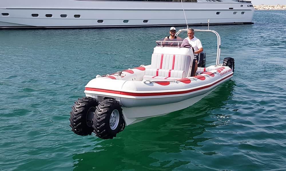 Amphibious-tender