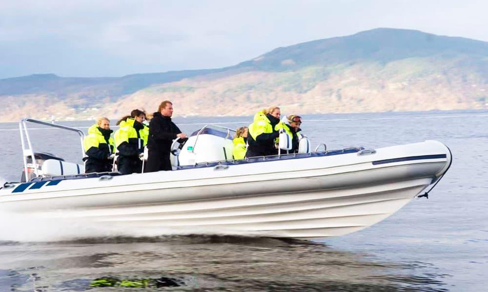 Sightseeing-Boat