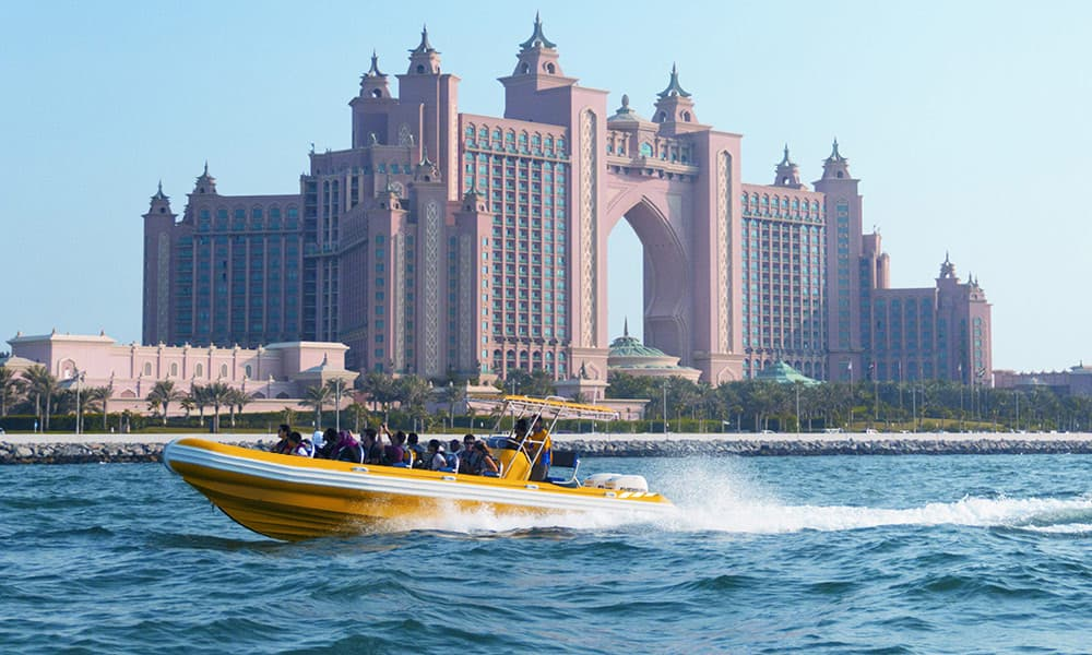 Thrilling Tour Boat