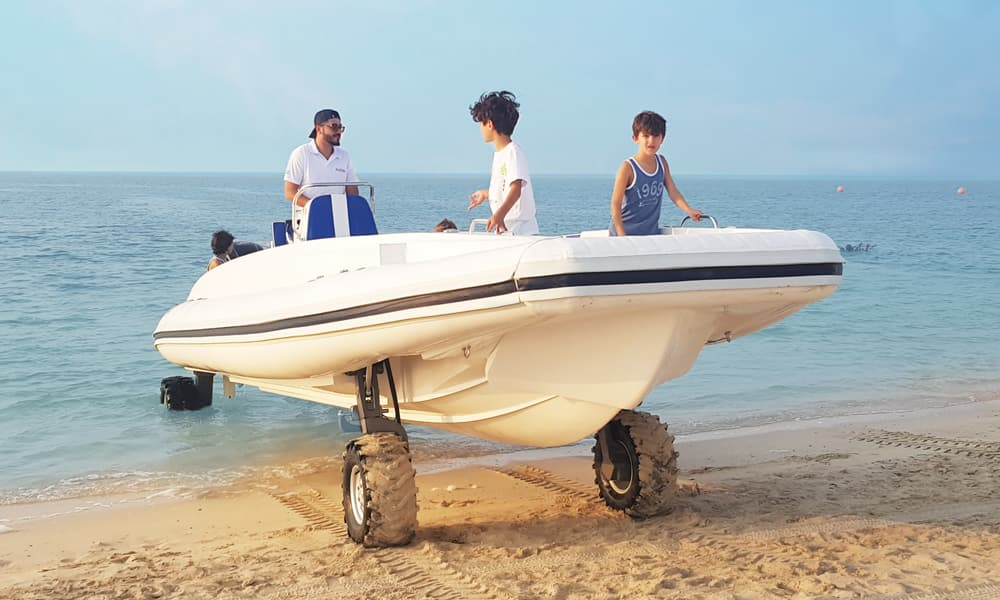 amphibious-boat-beachlander