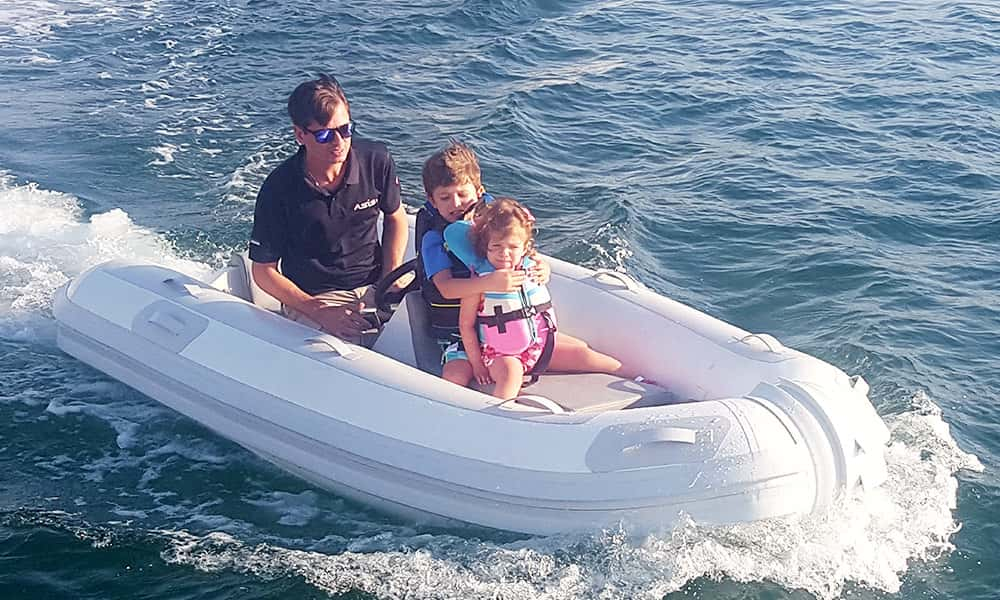 electric-yacht-tender-boat