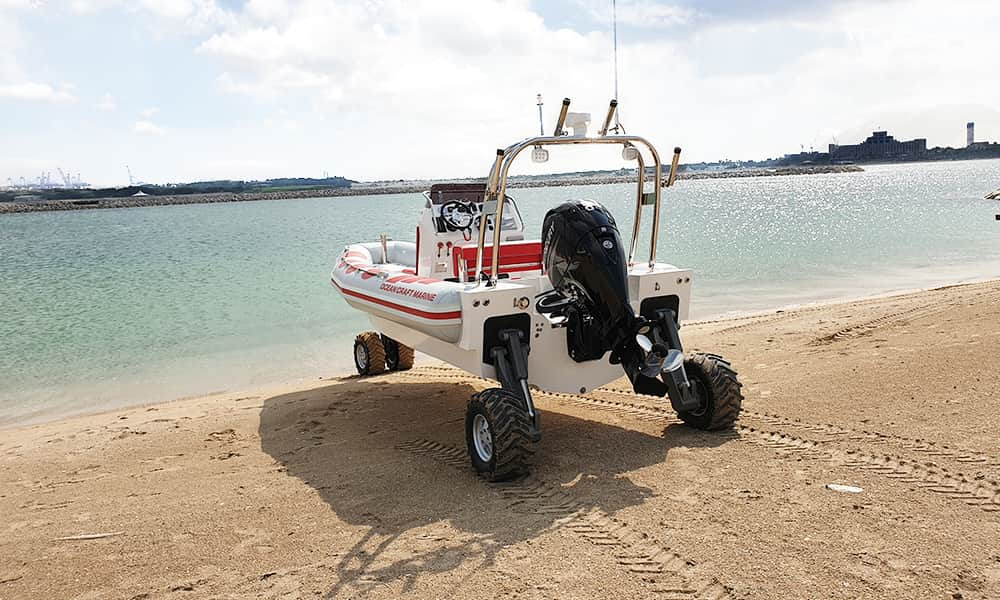professional-amphibious-boat-with-wheels-1