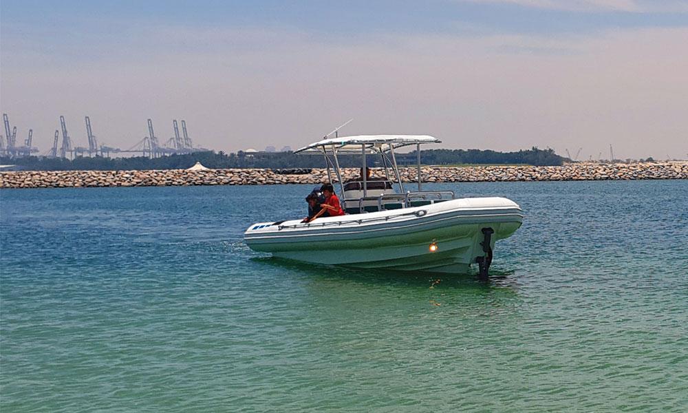 Amphibius_tour-boat-01-04