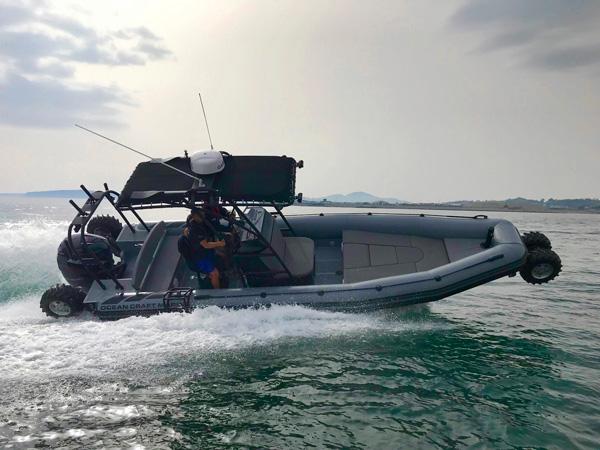 Advantages of having Amphibious Boats
