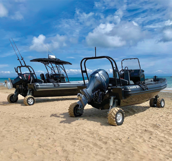 Amphibious Craft with 4WD Amphibious System